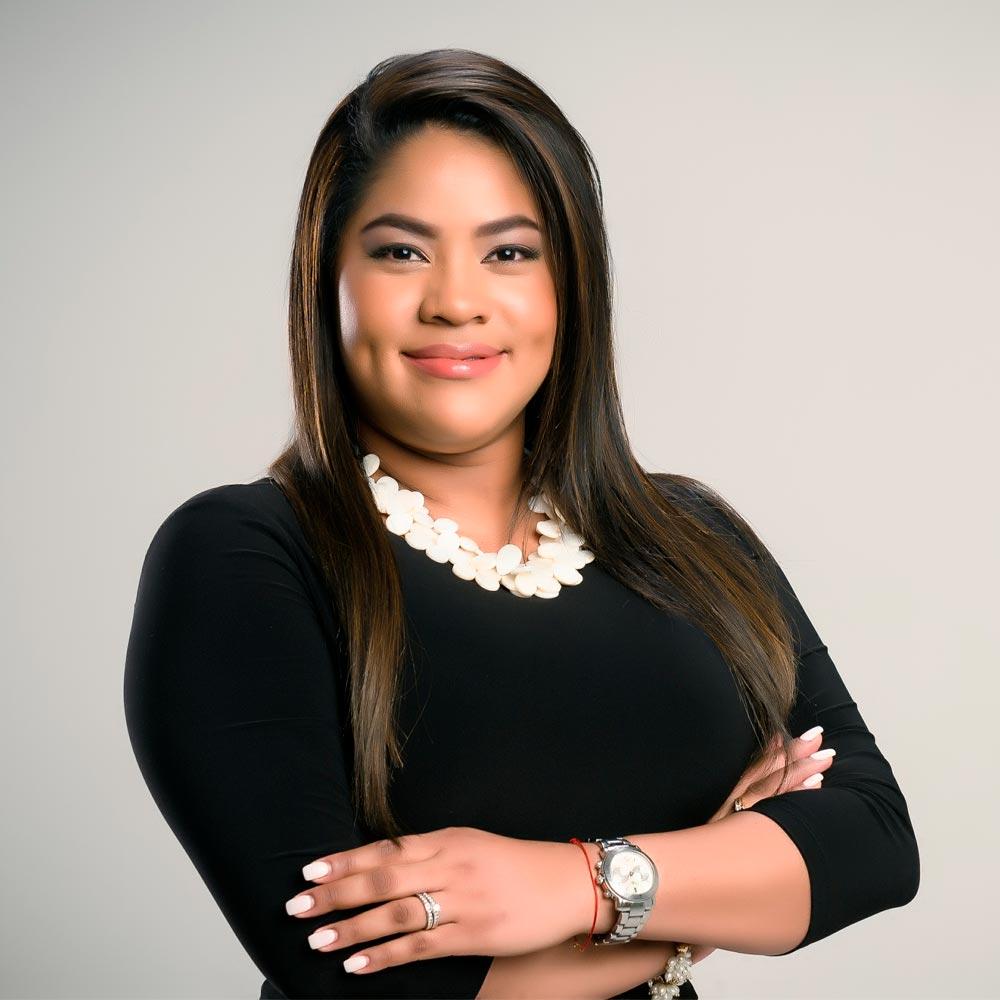 Debra Rodríguez abogada